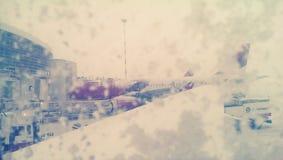 Flygplats i en snöstorm arkivbild