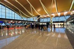 flygplats inom terminalen royaltyfri bild