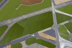 Flygplats med landningsbanorna royaltyfria foton