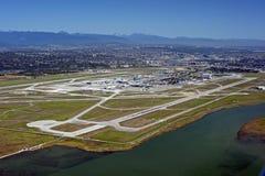 Flygplats på havsön royaltyfria bilder