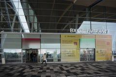 Flygplats Platov som byggs för den FIFA världscupen 2018 Vinter Passagerare förbereder sig för flyg fotografering för bildbyråer