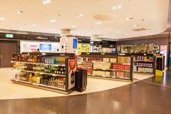 Flygplats Zurich - inom av tullfritt shoppa Royaltyfri Foto
