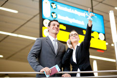 flygplatsaffärsresandear royaltyfri fotografi