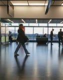 Flygplatsavvikelsevardagsrum i Wien Royaltyfria Bilder