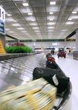 flygplatsbagagekorridor Royaltyfria Foton