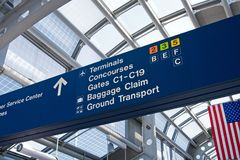 flygplatsen boards information Royaltyfria Bilder