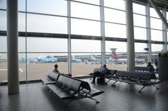 flygplatsinterior schiphol Royaltyfri Bild