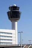 flygplatskontrolltorn Arkivfoto
