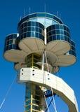 flygplatskontrolltorn arkivbild