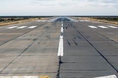 Flygplatslandning och tar av zon royaltyfria foton