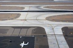 Flygplatslandningsbana Royaltyfria Bilder