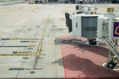 Flygplatslandningsbanatecken Royaltyfria Foton