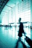 flygplatspassagerare shanghai Royaltyfria Bilder
