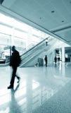 flygplatspassagerare shanghai Arkivfoton