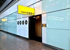FlygplatsSignage Fotografering för Bildbyråer