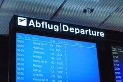 Flygplatsskylt, avvikelse arkivbilder