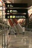 flygplatstecken arkivfoto
