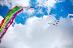 Flygshow i en sommardag Arkivbild