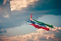 Flygshow i en sommardag Royaltyfri Fotografi