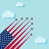 Flygshowen på skyen för firar den nationella dagen av USA Arkivfoto