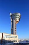 Flygtrafikkontrolltorn av flygplatsen Arkivfoton