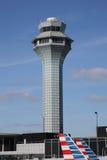 Flygtrafikkontrolltorn på OHare den internationella flygplatsen i Chicago Royaltyfria Foton