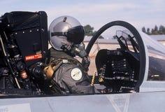 Flygvapenpilot i flygplan för cockpit F-18 Royaltyfria Foton