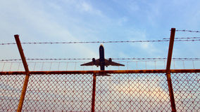 The flying-up airplane Royalty Free Stock Photography