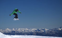 Flying5. Flying snowboarder in the Alps Royalty Free Stock Photos