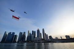 Flypast της σημαίας της Σιγκαπούρης κατά τη διάρκεια του pra παρελάσεων εθνικής μέρας Στοκ εικόνα με δικαίωμα ελεύθερης χρήσης