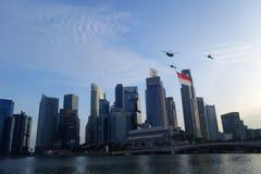 Flypast της σημαίας της Σιγκαπούρης κατά τη διάρκεια του pra παρελάσεων εθνικής μέρας Στοκ φωτογραφίες με δικαίωμα ελεύθερης χρήσης