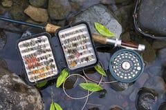 Flyrod et mouches artificielles Photos libres de droits