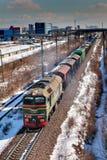 Flyttning för fraktdrev vid stången, Ryssland, vinter. Fotografering för Bildbyråer