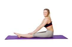Fêmea nova que faz exercícios Imagens de Stock Royalty Free