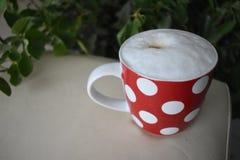Fnoskig coffe rånar, morgoncoffe, kopplar av Arkivbilder