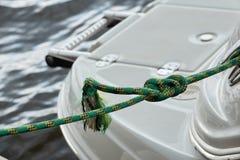 fnurra förtöjd yacht Royaltyfria Foton