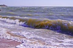 Foaming sea waves Royalty Free Stock Photos