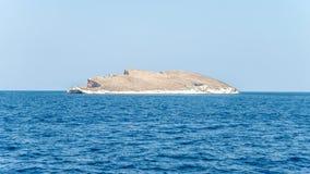 Foca,土耳其- 2013年8月30日:阿塔图尔克海岛在Foca中,伊兹密尔 免版税库存图片