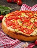 Focaccia com tomates e alho Fotografia de Stock