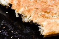 Focaccia del pan italiano con romero Imagen de archivo