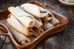 Focaccine al latte casalinghe della vaniglia con zucchero immagine stock libera da diritti
