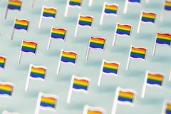Foco borroso del primer en modelo de las banderas del arco iris LGBTQ Junio el concepto del s?mbolo del mes del orgullo gay en fo stock de ilustración