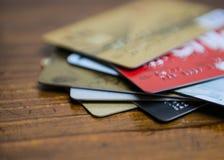 Foco de varias tarjetas de crédito imagen de archivo