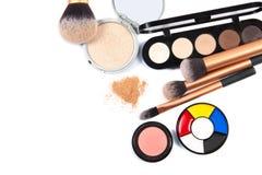 Foco dos cosméticos e do Makeup Ferramentas para a opinião superior da composição profissional Imagens de Stock