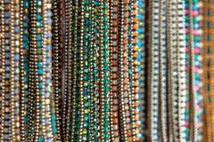 Foco selectivo de los accesorios del collar de la mujer Imágenes de archivo libres de regalías