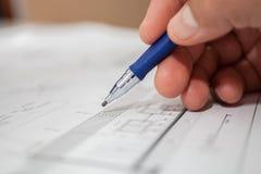 Foco selectivo del lápiz del ingeniero de construcción Fotografía de archivo libre de regalías