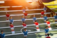 Foco seletivo do close-up do jogo de futebol da tabela fotografia de stock