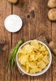 Foco seletivo do gosto de Chips Sour Cream da batata imagens de stock