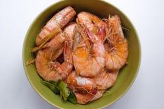 Foco seletivo e isolado cozidos do camarão de sal Fotografia de Stock Royalty Free