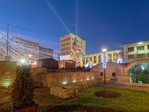 Focsani, Vrancea/Rumania - 12/27/2015: Decoraciones de la Navidad en Focsani Fotos de archivo libres de regalías